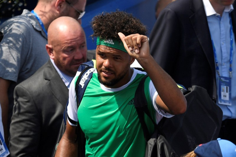Tsonga joins exodus of seeds at Queen's