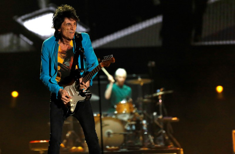 Ronnie Wood Recuperating from Lung Surgery