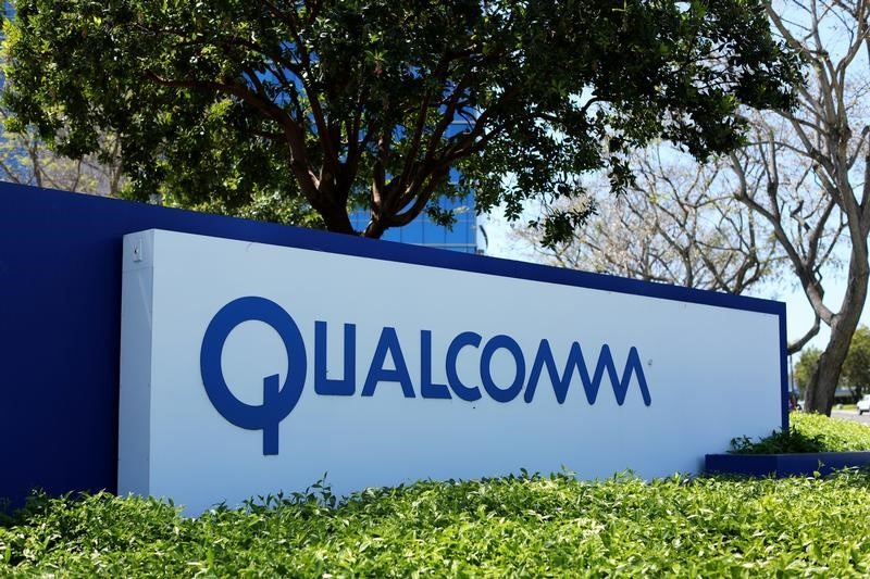 CORRECTED - Chipmaker Qualcomm's revenue falls 9.6 percent