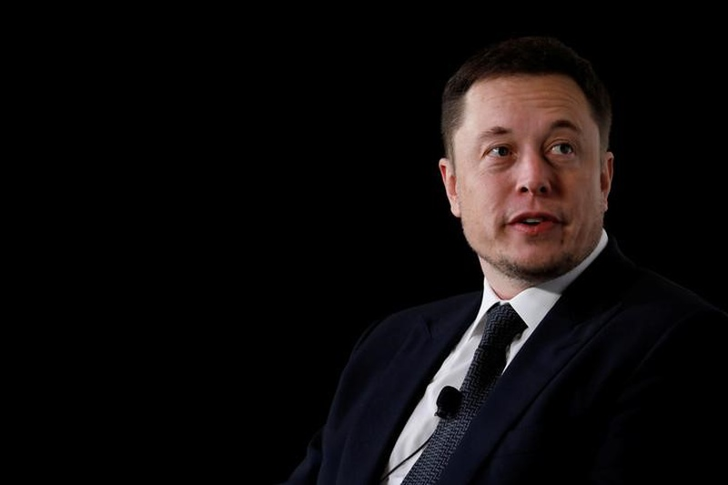 SpaceX chief says 1st launch of big new rocket will be risky