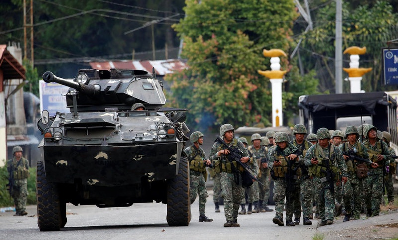 Philippines puts city on lockdown over fears of militant infiltration