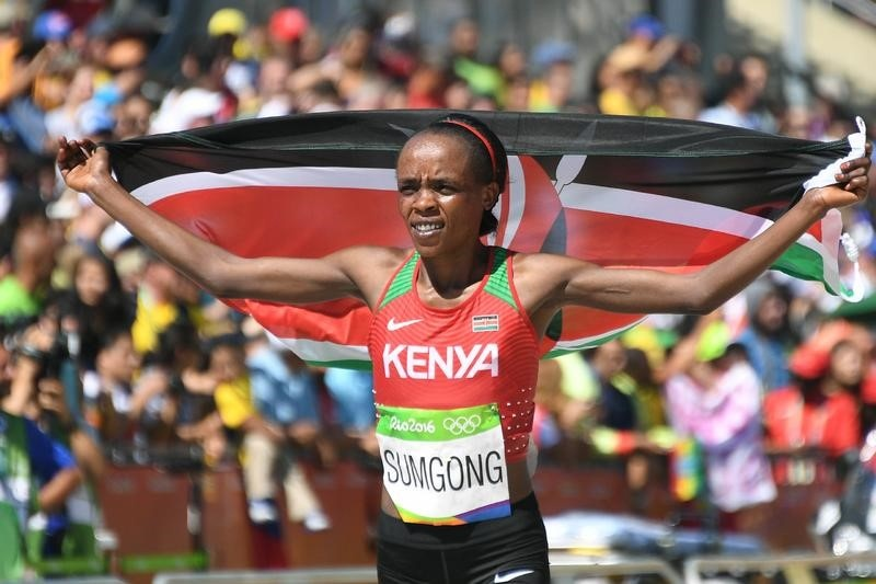 Mary Keitany breaks a marathon record with 3rd London win