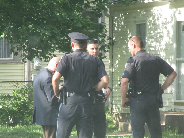 KDPS officer rescues man from kitchen fire