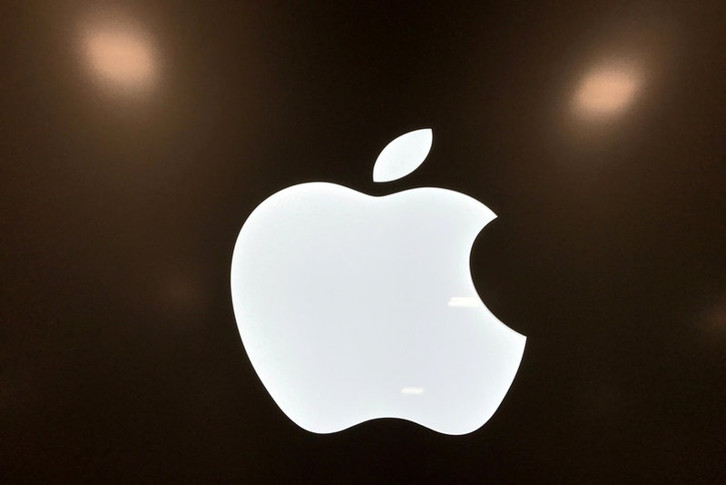 Apple in talks to launch money-transfer service Recode