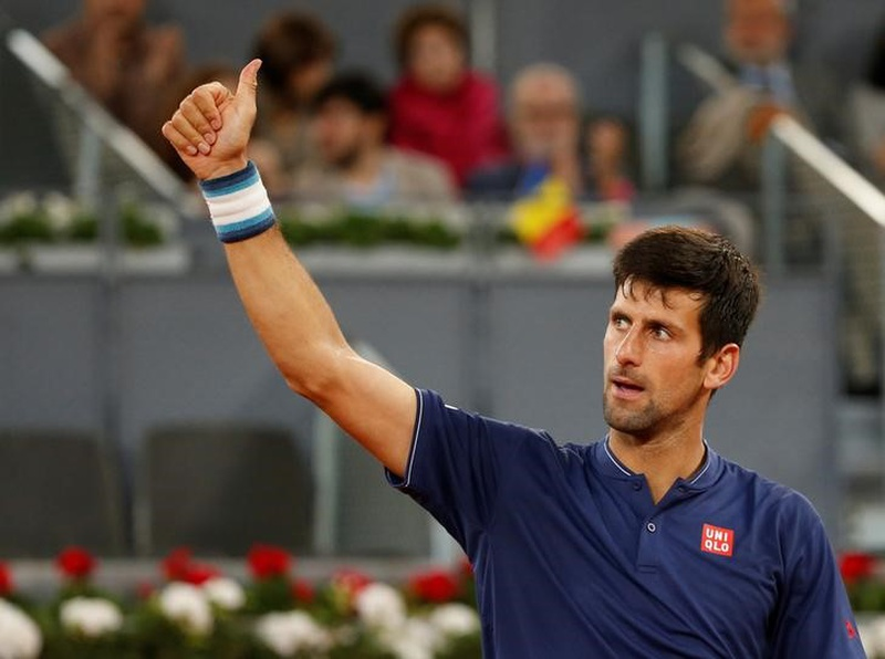 Murray sent packing from Madrid Open, Djokovic eases into quarters