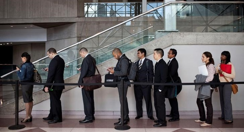 US jobless aid applications fell to 234000 last week