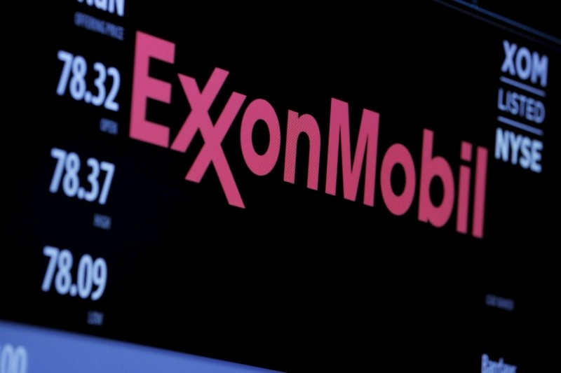Analysts see little credibility in Exxon-for-BP takeover chatter
