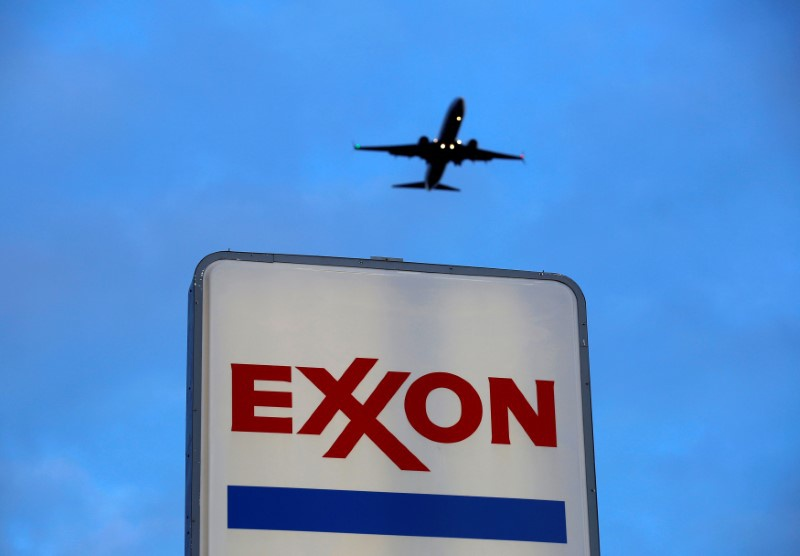 Oil giants Exxon and Chevron find market hard to please - PRE-MARKET