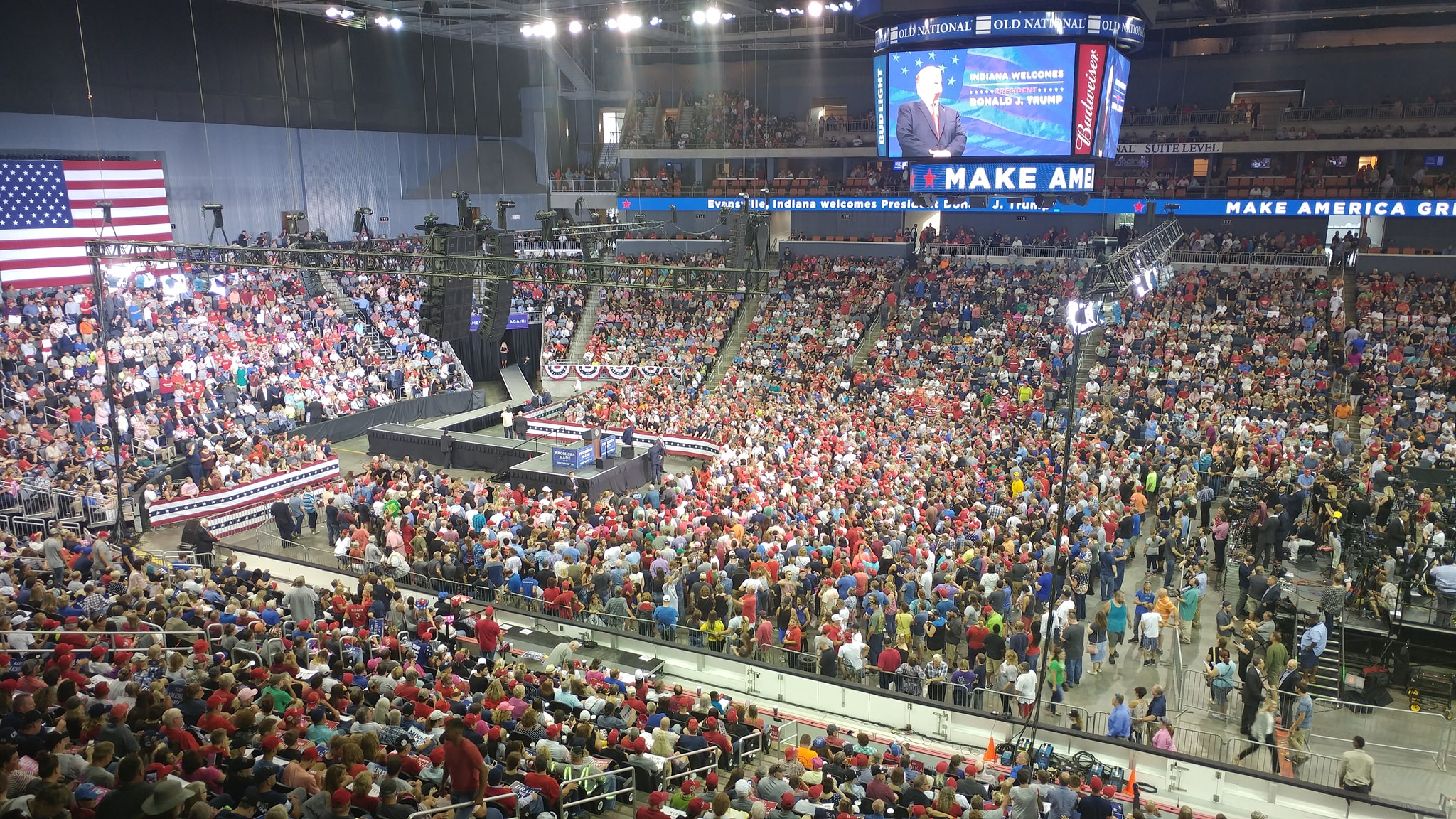 Large crowd attends trump rally in evansville news 104 1 wiky
