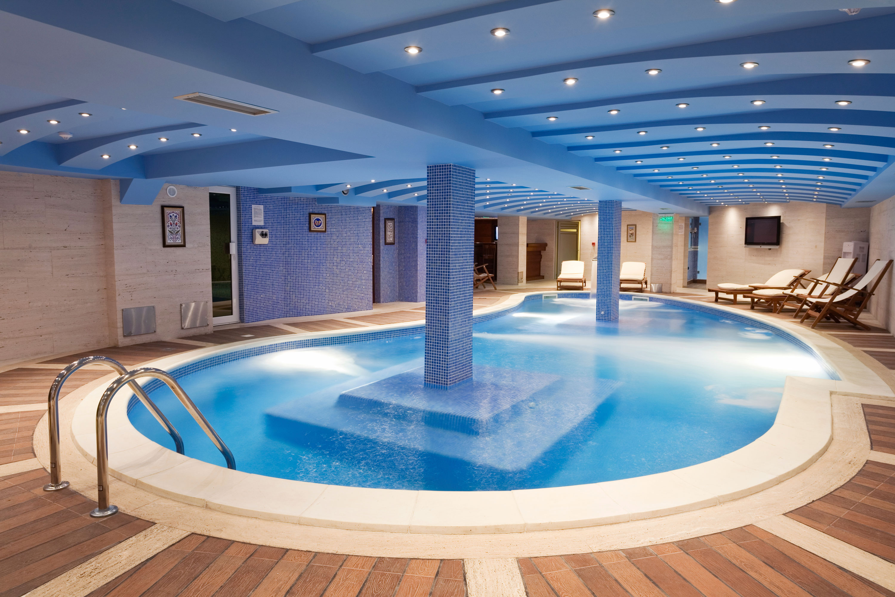 Three indoor pool considerations for next your custom for Swimming pool design for home