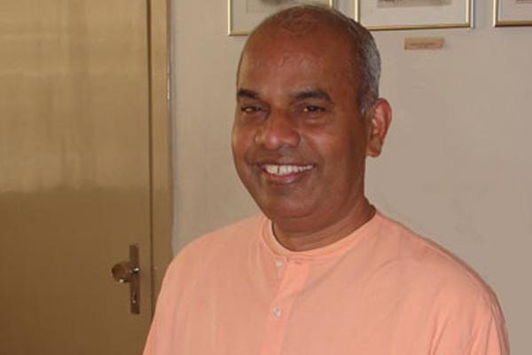 Swami Nirmalatmananda