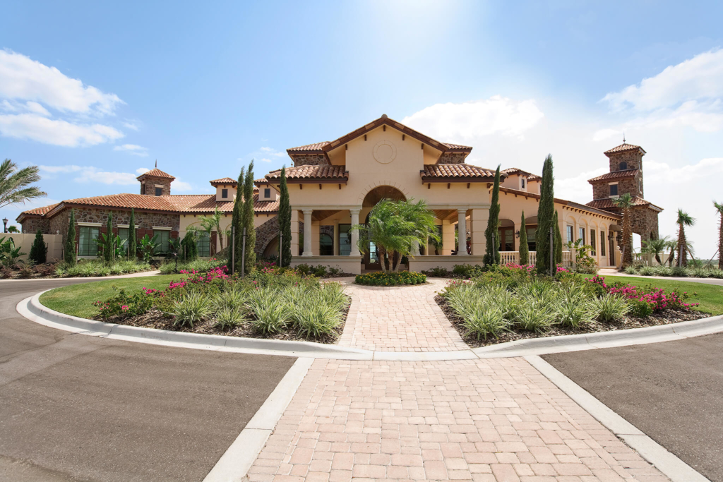 Covered driveway additions quality hardscapes porch for Porte cochere piani casa