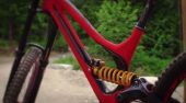 , Video: Aaron Gwins World Cup Downhill Bike – 2015 Specialized Demo