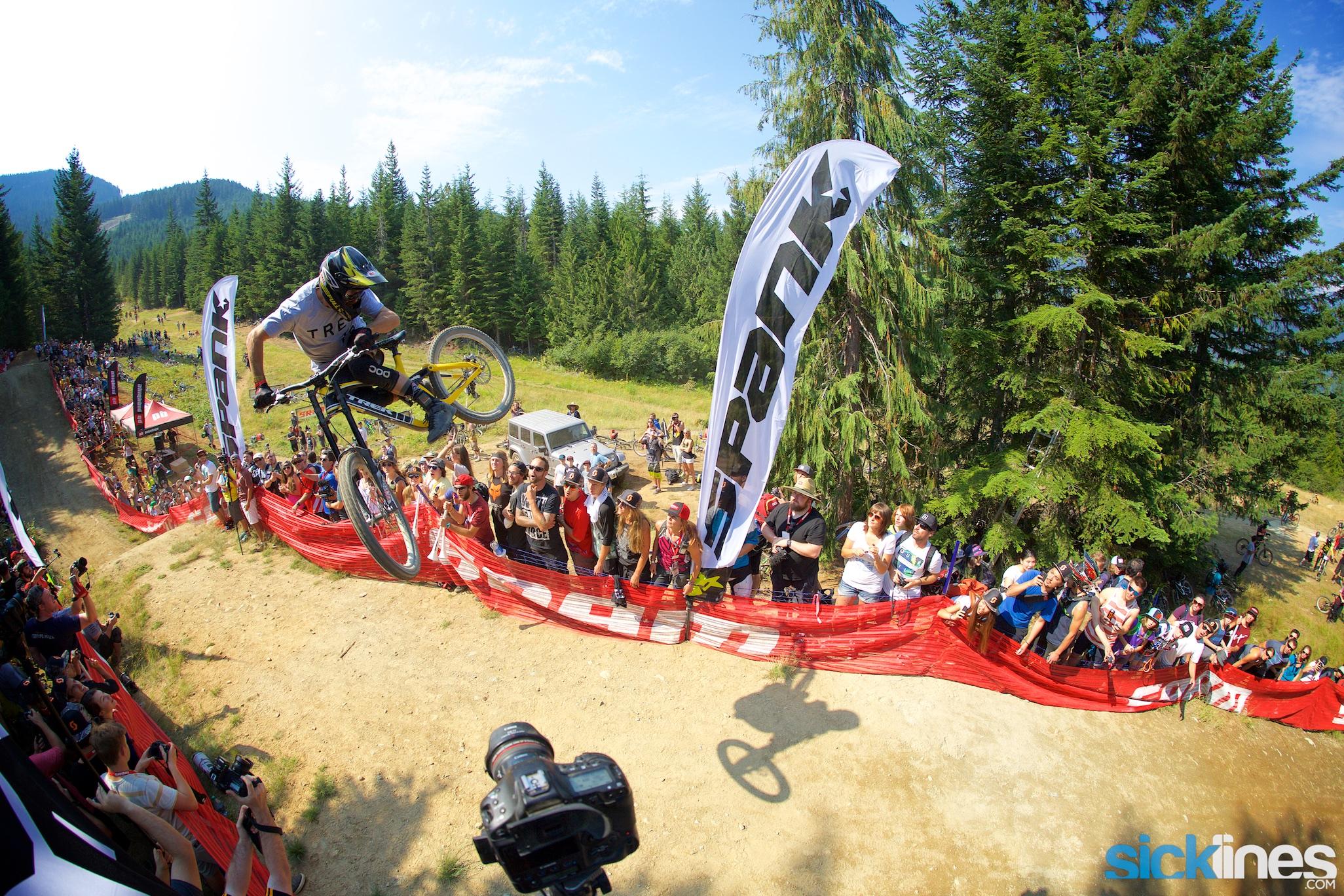 , Crankworx Whistler – A Line With Ryan Howard and the 2016 RedBull Joyride Course