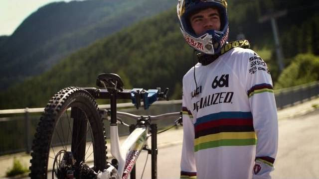 , Video: Loic Bruni – Inside Specialized Racing