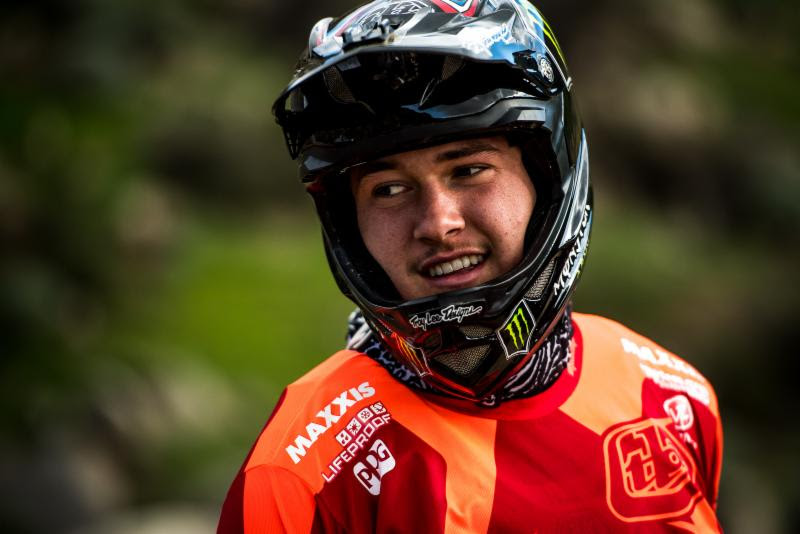 , Video 2017 Intense Factory Racing Team – With Troy Lee Designs