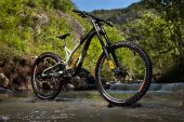 , 2021 Commencal Supreme DH 29 / 27 Ohlins, Team, Frame Options