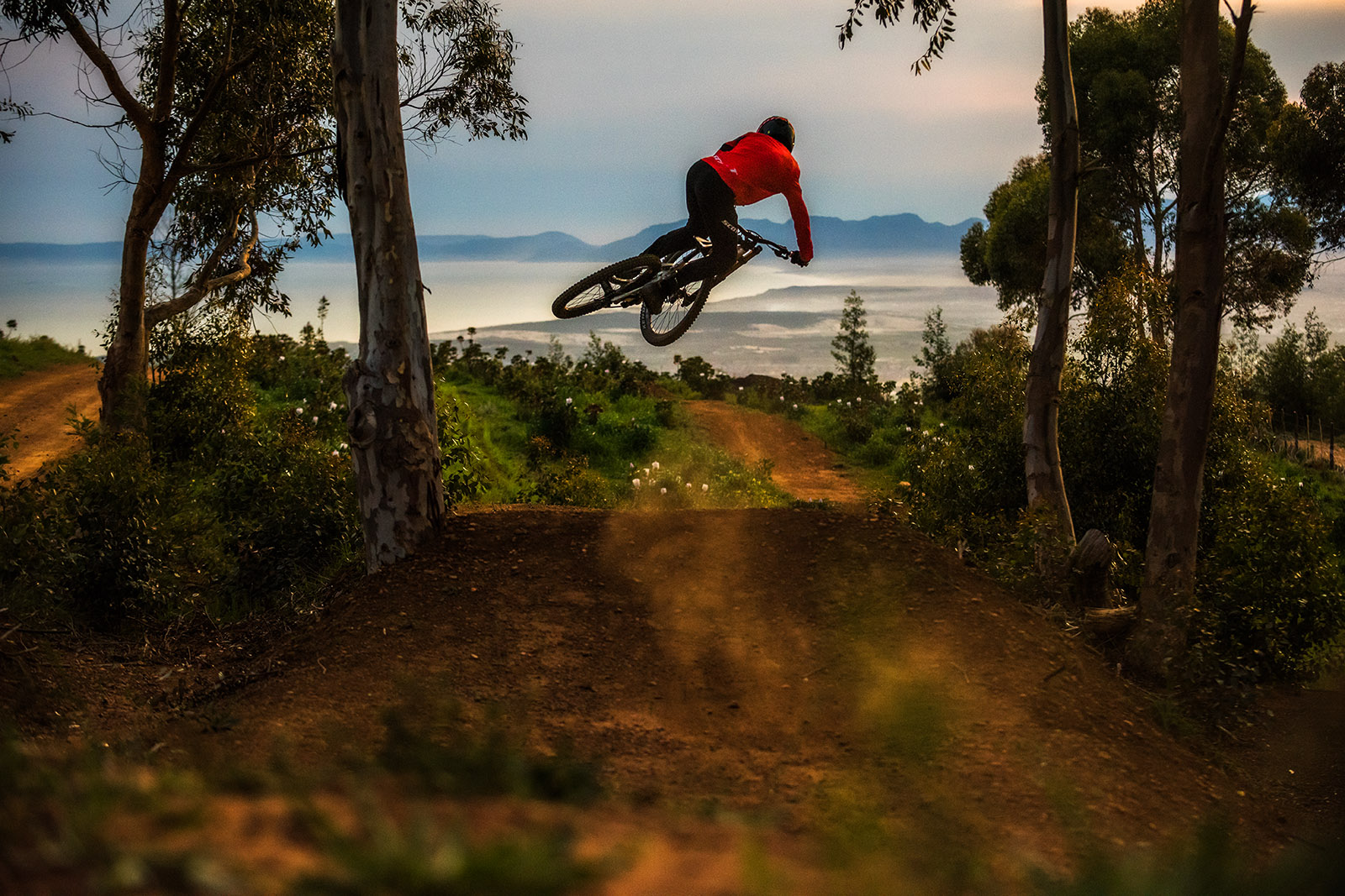 , Andrew Neethling – Chasing Trail