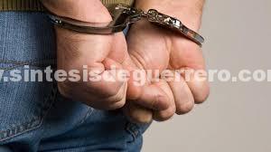 Policías comunitarios detienen a 5 miembros de La Familia Michoacana durante ataque a módulo de la comunitaria