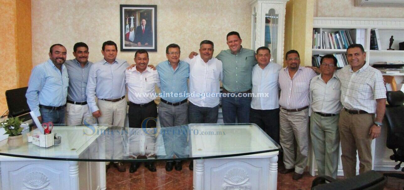 Se reúne el secretario de Finanzas y Administración con dirigentes de la SUSPEG