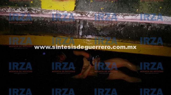 Dejan un ejecutado con narcomensaje en la avenida Cuauhtémoc de Acapulco