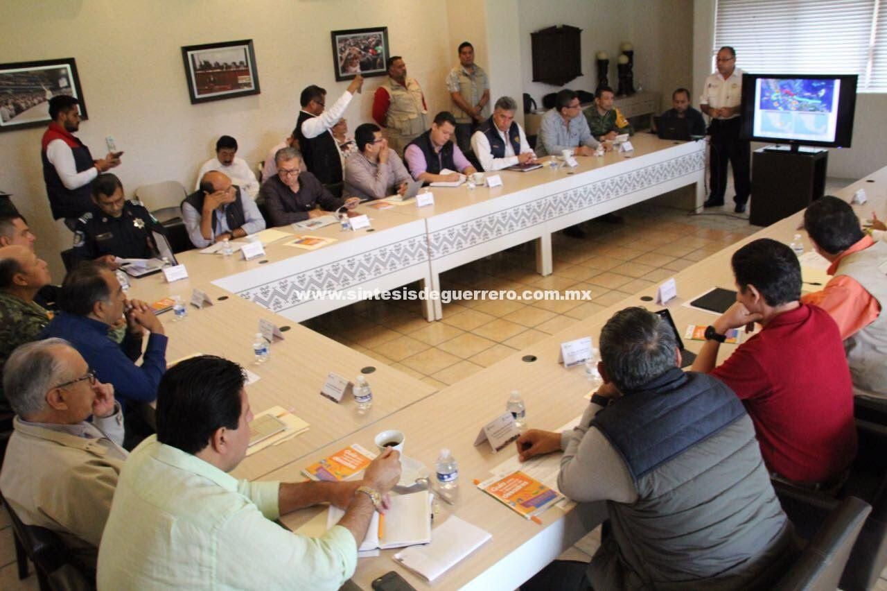 Encabeza Astudillo Flores sesión del comité Estatal de Protección Civil Guerrero