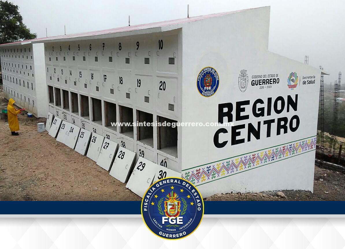 Traslada FGE 12 cuerpos para resguardo al Panteón Estatal Forense