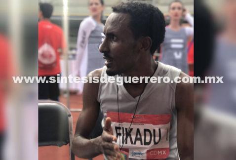 Gana el etíope Fikadu el Maratón de la Ciudad de México 2017