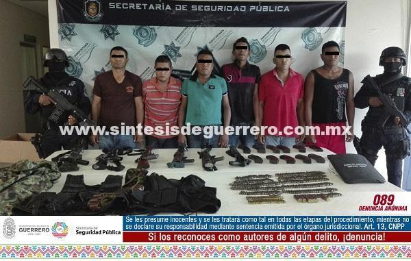 Asegura Policía Estatal en Petacalco a 6 masculinos en posesión de armas y equipo táctico