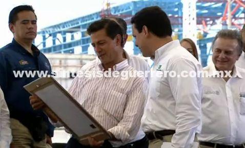 Peña Nieto destaca disminución en tarifas de energía eléctrica gracias a la reforma