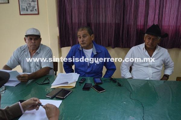 Niega SCT indemnización a 22 campesinos afectados por construcción de Autopista del Sol