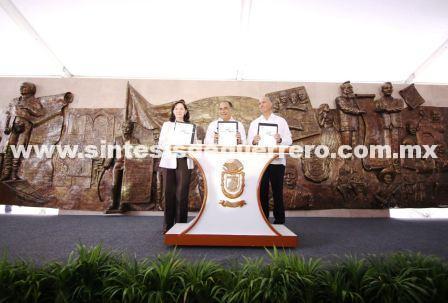 Conmemoran aniversario luctuoso de Vicente Guerrero, el gobernador Astudillo y el secretario Calzada Rovirosa