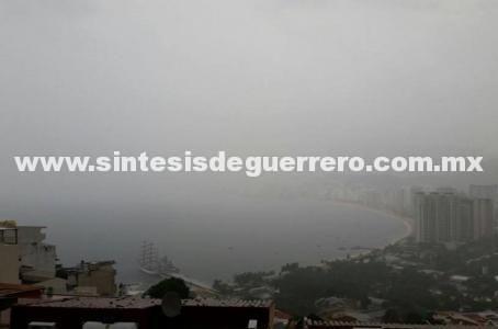 """Permanece alerta por """"Carlotta"""" en Costa Grande; se reanudan clases en 6 regiones de Guerrero"""