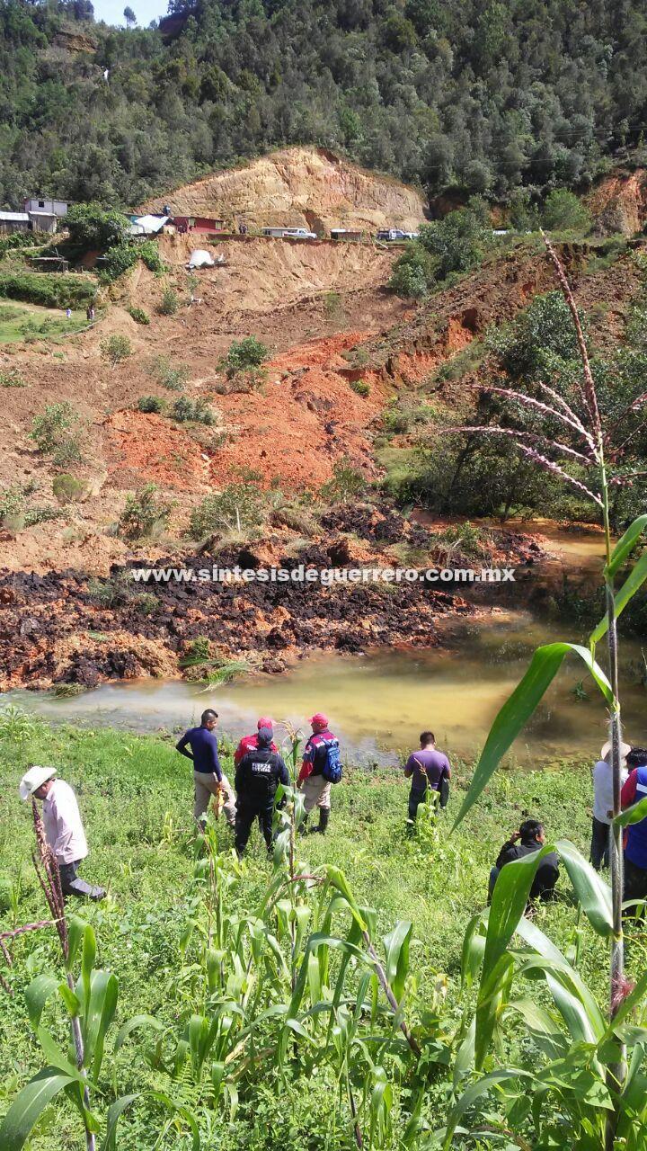 Deslizamiento de suelo en los llanos, Metlatónoc