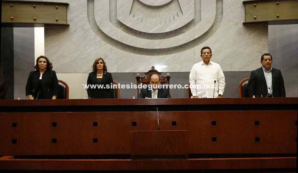 Instala Congreso primer periodo de Sesiones Ordinarias correspondiente al Tercer Año de Ejercicio Constitucional