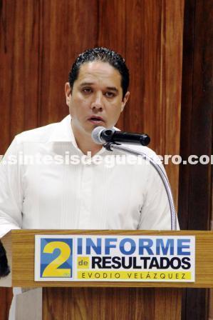 Entregó Evodio al cabildo su segundo informe de gobierno