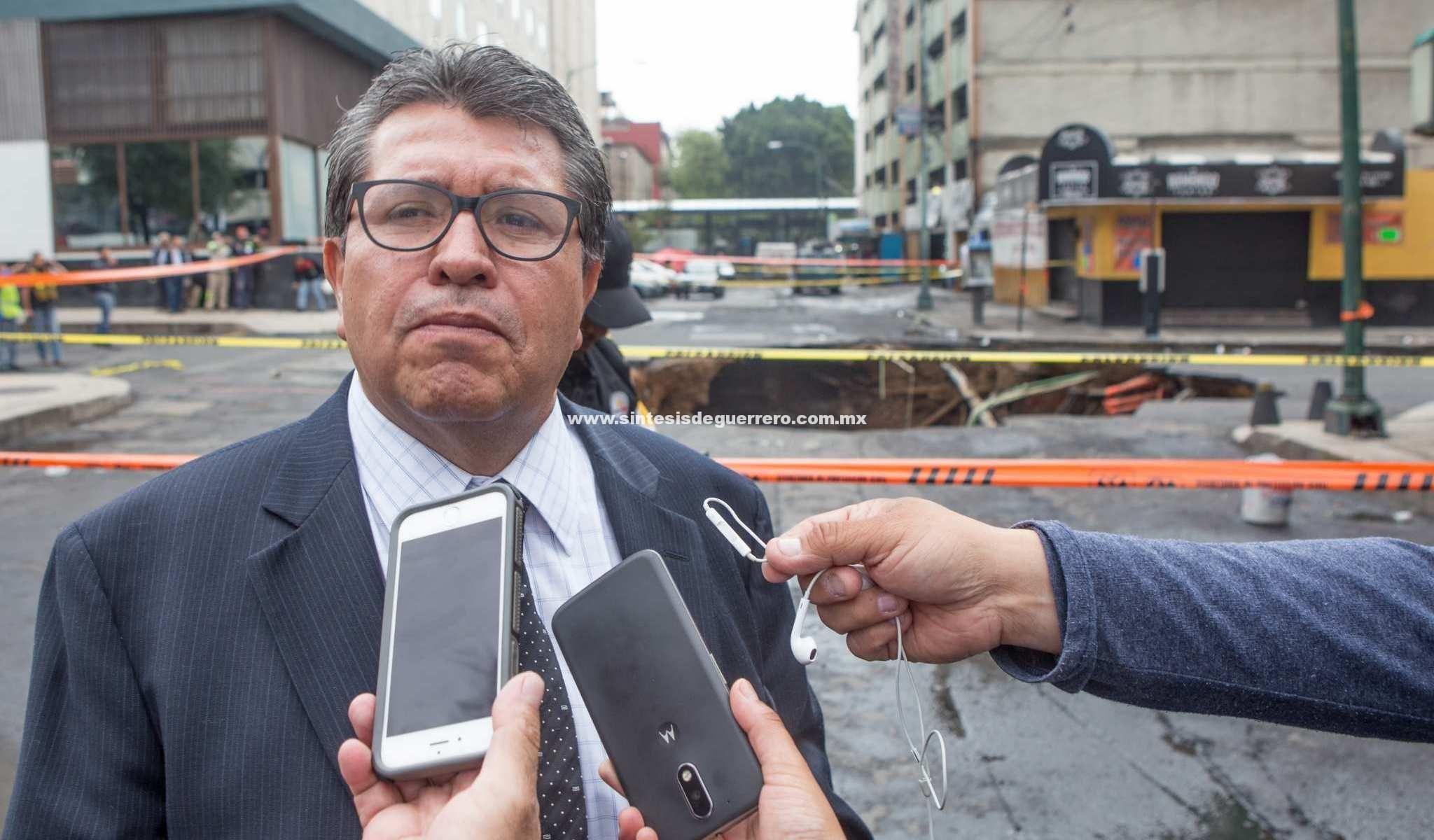 """""""Es probable que me separe de Morena, me siento incómodo"""": Monreal"""