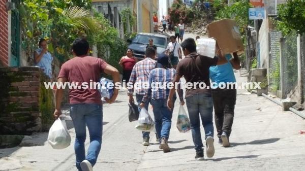 Voluntarios, al rescate de Atenango del Río