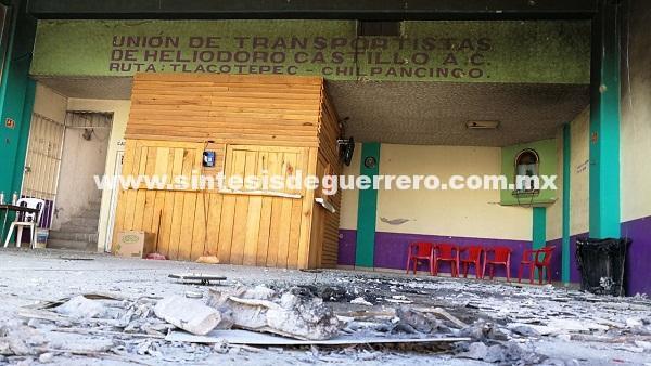 Suspenden transporte público de Chilpancingo a Tlacotepec, tras ataque a base de Urvan