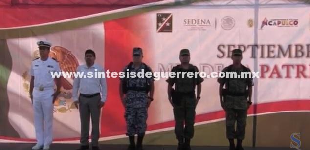 (Video) Encabeza Daniel Meza Lunes de Bandera e Izamiento por mes patrio