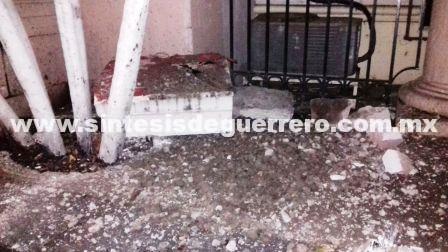 Antes del sismo de 8.1 grados cae piedra del edificio del Tribunal de Justicia de Chilpancingo