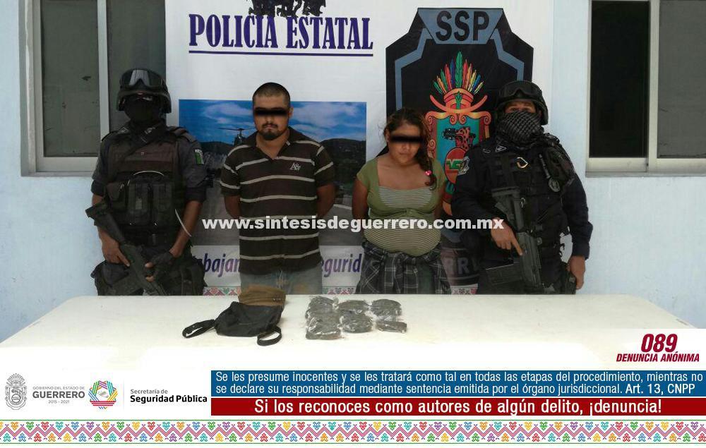 Policía Estatal y Ejército Mexicano Aseguraron en Arcelia a dos personas en posesión de presunta droga