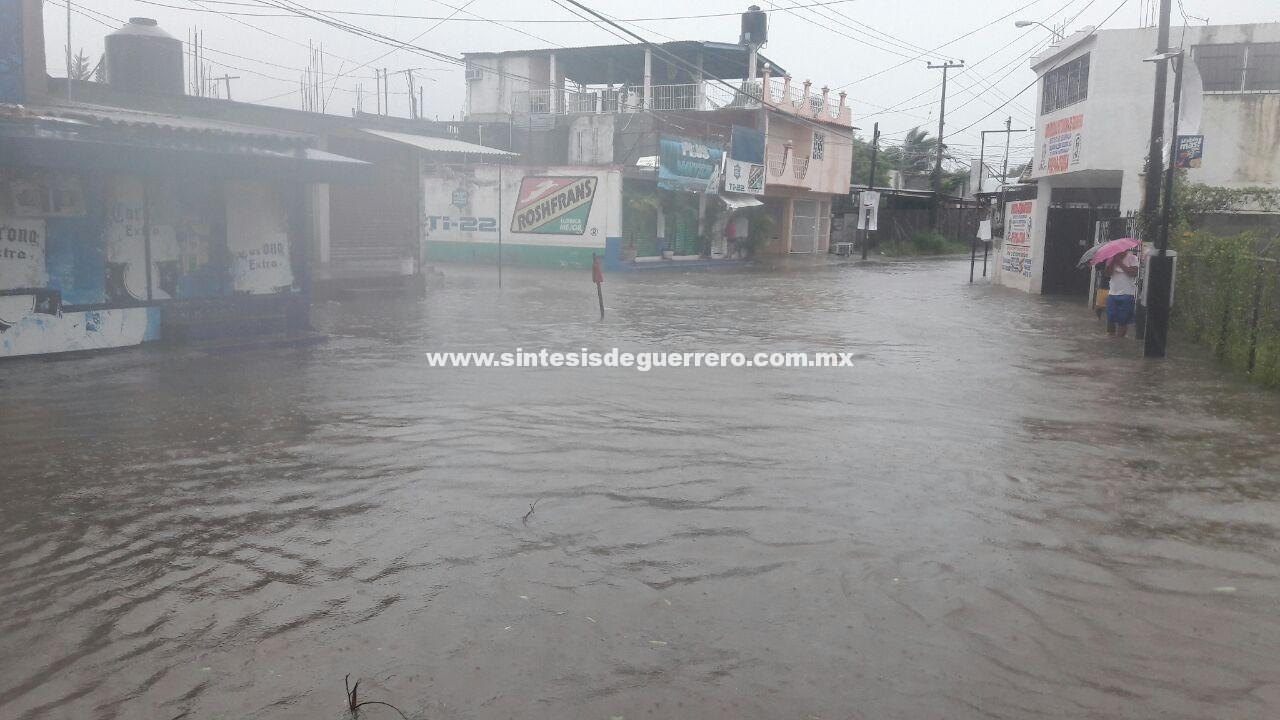 """""""Max"""" se convierte en huracán y empieza a provocar estragos en Guerrero"""
