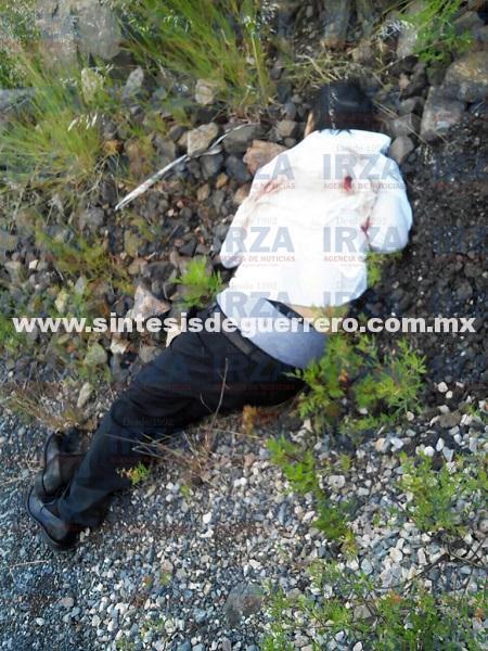 Lo ejecutan con disparos de 9mm en la carretera Taxco-Cuernavaca