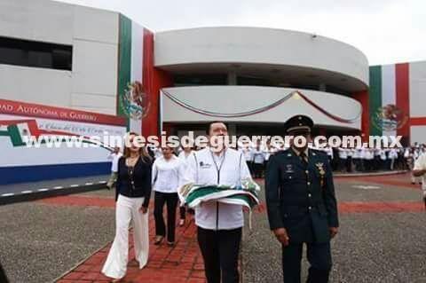 El Rector Javier Saldaña Almazan inauguró el nuevo ciclo escolar 2017-2018 en la Uagro.