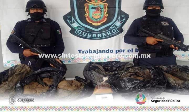 Aseguran Policía Estatal y Ejército Mexicano un kilo de goma de opio y 68 kilos de terrones del mismo enervante en Pueblo Viejo