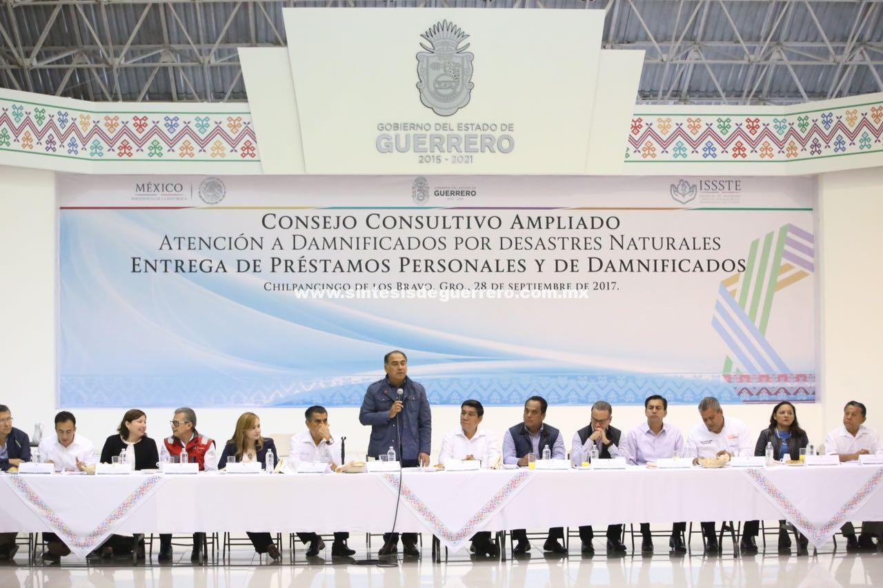 """En la ruta de la reconstrucción : """"Vamos Avanzando"""", señala Astudillo Flores al entregar apoyos a derechohabientes del ISSSTE"""