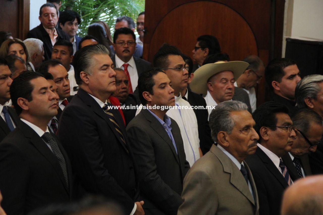 Asiste Evodio a la ceremonia por el 204 aniversario del Primer Congreso de Anáhuac