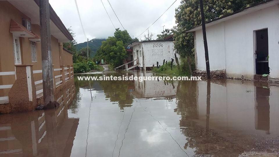 Emergencia en la Tierra Caliente por las lluvias; Plan DN-III parece insuficiente