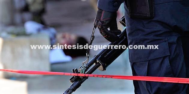 Localizan un hombre muerto en carretera de la zona rural de Acapulco